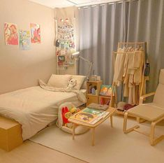 31 Admirable Small Apartment Bedroom Decor Ideas - It doesn't really matter how small your apartment is, you can always get a nice space with modern and unique decoration. In a small apartment decorati. Small Apartment Bedrooms, Apartment Bedroom Decor, Room Design Bedroom, Small Room Bedroom, Room Ideas Bedroom, Bedroom Designs, Korean Bedroom Ideas, Study Room Decor, Minimalist Room