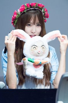 """do you want me to eat this rabbit? Kpop Girl Groups, Korean Girl Groups, Kpop Girls, Oh My Heart, With All My Heart, Gfriend Yuju, Kim Ye Won, My Wife Is, G Friend"