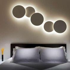 Vibia Puck 5427 #wandlamp met maar 1 electrapunt voor maximaal 25 schijven nodig, modulair systeem, maak je eigen Puck op de website van #Vibia of neem contact op met #Eikelenboom
