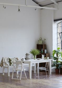 vintage style furniture, table and seating