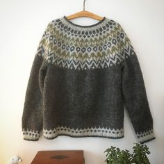 Fair Isle Knitting Patterns, Knitting Designs, How To Start Knitting, Hand Knitted Sweaters, Jumpers, Hand Knitting, Knitwear, Knit Crochet, Sewing Projects