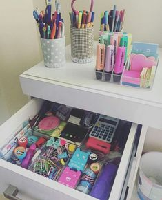 Diy room organization and decor cute room decor videos organization. Teacher Desk Organization, Organization Hacks, Stationary Organization, Cute Room Decor, Cute School Supplies, Office Supplies, Organizer, 3d Printer, Rooms