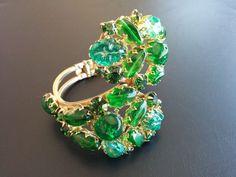 Vintage Bracelet Clamper Jade Green Molded Glass Cluster Flower Bead 3356