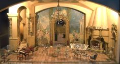 Dollhouse worth $7000000, hand painted by Walt Disney - Imgur