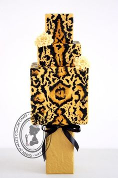 SAFARI by Queen of Hearts Couture Cakes (12/19/2012)  View details here: http://cakesdecor.com/cakes/40747