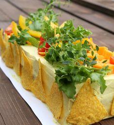 Kanavoileipäkakku - Jannen Keittiössä Cheesecakes, Feta, Tacos, Curry, Mexican, Ethnic Recipes, Food, Curries, Cheesecake