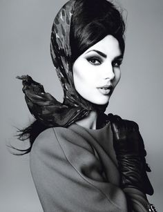 Candice Huffine looks fabulous... I love the scarf and immaculate brow!