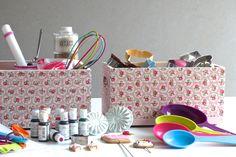 Cajas de madera decoradas con decoupage (Cath Kidston). Ideales para guardar utensilios de repostería. Wooden box decoupage. www.elpiojito.es