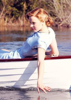 Rachel McAdams in The Notebook, love outfit and classic hair style