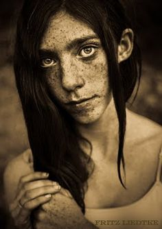 Fritz Liedtke Beauty is only skin deep. But ah! me; freckles go to the bone. (Mark Twain)