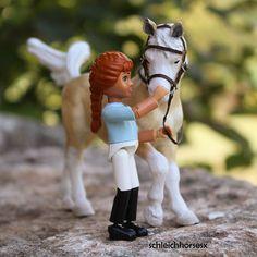 Phinea #schleichpferd #schleichrepaint #schleichponys #schleichhorses #schleichpony #schleichcheval #schleichtack #schleich #instaschleich #instagram #garden #pony #horse #paard #bridle #saddleblanket #saddle #outside #instadoll #canoneos #canon #belvillelego #belville #legobelville #lego #insta #instahorse by schleichhorsesx