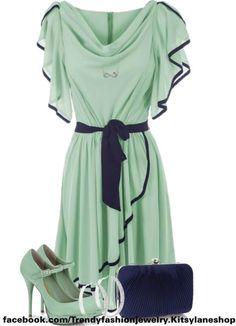 Mint dress OH MY guys did i ever tell you that frilly sleeves make my heart beat faster?