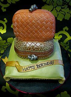 Pillbox Clutch cake