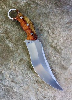 This would be the knife I would want to use if I had to fight my way out of anywhere. hatcherknives Sevbok