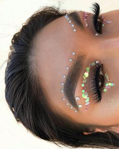 Are you ready for another Coachella festival season? If you struggling with what to wear at Coachella 2019 here are 45 tips and tricks for the best festival look Music Festival Makeup, Festival Makeup Glitter, Music Festival Outfits, Glitter Makeup, Music Festivals, Festival Glitter Ideas, Music Festival Fashion, Glitter Top, Coachella Festival