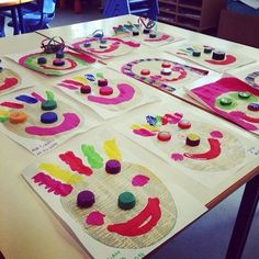 Arts for the day of the circus: ideas of activities - My Hobbies Kids Crafts, Clown Crafts, Carnival Crafts, Carnival Activities, Preschool Arts And Crafts, Kindergarten Activities, Activities For Kids, Carnival Themes, Circus Theme