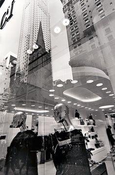 lee-friedlander-mannequin-new-york-city-2010-1383077756_b.jpg (493×750)