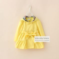 00062 TJ-6J2522 Free shipping 6 pcs/lot Wholesale Children windbreaker jacket color bunny ears and long sections 2-6 years old http://www.aliexpress.com/store/1047972