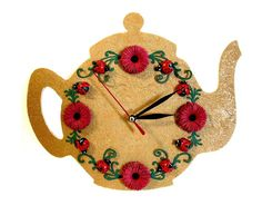 Ceas Buburuze Ametite (45 LEI la CadouriFistichii.breslo.ro) Lei, Quilling, Clocks, Decoupage, Inspired, Christmas Ornaments, Holiday Decor, Cards, Inspiration