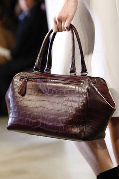 Bottega Veneta Fall 2014 Ready-to-Wear Collection - Vogue My Bags, Purses And Bags, Christian Dior, Crocodile Handbags, Bagdad, Womens Designer Bags, Chanel, Handbags On Sale, Handbags 2014