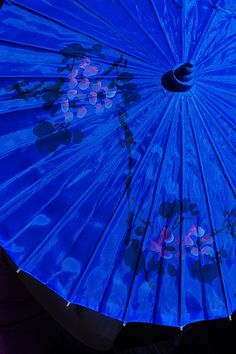 I ❤ COLOR AZUL INDIGO + COBALTO + AÑIL + NAVY ♡ blue parasol by A.K.N. Santiago, via Flickr