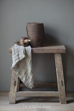 Stoere houten kruk