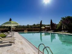 Casa Vacanze Il Bosco San Gimignano Located in Villa del Monte, this holiday home is situated 33 km from Florence. The property is 35 km from Siena and features views of the garden. Free private parking is available on site.