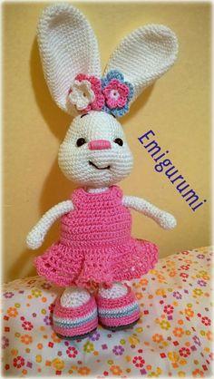 Göncziné Dávid Emília Magic Ring, Soft Sculpture, Crochet Lace, Stuff To Do, Tweety, Diy And Crafts, Bunny, Dolls, Amigurumi Baba