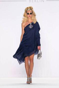 Fashion Week Berlin: Guido Maria Kretschmer mit neuer Kollektion   BRIGITTE.de