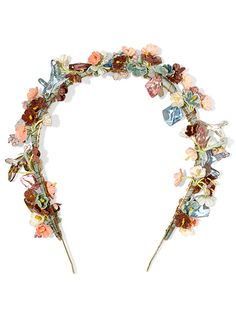 877b134cda7b The 8 Most Stylish Floral Hair Accessories