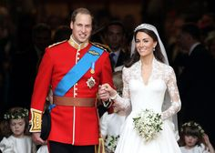 #PrinceWilliam & #KateMiddleton. #wedding #royals #AlexanderMcQueen