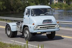 Thames Trader Ford Lincoln Mercury, Classic Trucks, Classic Cars, Bedford Truck, Old Lorries, Train Truck, Car Ford, Commercial Vehicle, Vintage Trucks