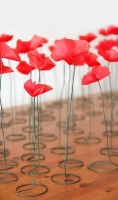 "DIY paper poppy flowers - would be fun as escort ""cards"""