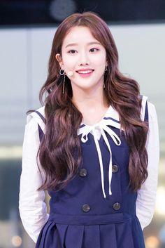 Pin by Rhai (라이) on April in 2019 Kpop Girl Groups, Korean Girl Groups, Kpop Girls, Pretty Asian, Beautiful Asian Women, Apink Naeun, South Korean Girls, Asian Woman, My Girl