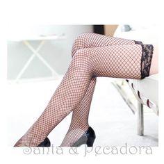 Compre agora - http://sexshop.santaepecadora.com.br/meia-7-8-modelo-arrastao-com-renda-cor-preta-0892.html  Meia 7/8 Modelo Arrastão com Renda - Cor Preta