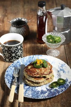 Try these easy vegan chia pancakes! They're zesty orange pancakes that are vegan and gluten-free, and bursting with citrus flavour. They are filling so make a quick vegan breakfast, brunch, lunch or dinner. Vegan Recipes Videos, Vegan Lunch Recipes, Best Vegan Recipes, Kiwi Recipes, Amazing Recipes, Delicious Recipes, Vegetarian Breakfast, Vegan Breakfast Recipes, Dessert Recipes