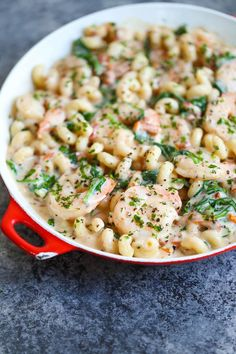 Shrimp Pasta with Tomato Basil Cream Sauce - Unbelievably CREAMY and just melt-in-your-mouth AMAZING! Loaded with sun dried tomatoes, spinach and basil. Shrimp Pasta, Seafood Pasta, Seafood Dishes, Pasta Dishes, Seafood Recipes, Pasta Recipes, Dinner Recipes, Cooking Recipes, Healthy Recipes