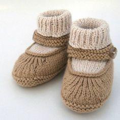 Crochet Baby Booties Baby Merry-Jane – Knitting Patterns and Crochet Patterns fro… Baby Knitting Patterns, Baby Booties Knitting Pattern, Crochet Baby Shoes, Crochet Baby Booties, Knitting For Kids, Baby Patterns, Knit Crochet, Crochet Patterns, Knitted Baby