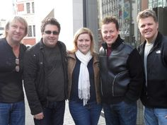 Concert Review: Lonestar Reunite On European Stage - TheCountrySite.com's European correspondent @Marloes Duizer is pictured here with Lonestar