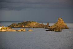 Isola Lachea, la più grande nell'arcipelago dei Ciclopi, Catania, Sicilia.