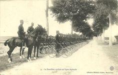 Le bataillon cycliste en ligne déployée - French Bicycle Battalion in deployment