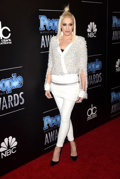 Gwen Stefani Photos: The PEOPLE Magazine Awards - Arrivals