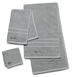 Make bathing the final frontier with this stylish Star Trek Bath Towel Set. Because as a Star Trek fan, you want nothing but the best. This set of Enterprise Ncc 1701, Star Trek Enterprise, Star Trek Voyager, Bath Towel Sets, Bath Towels, Star Trek Tos, Star Wars, Wallpaper Star Trek, Star Trek Gifts