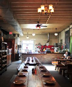 EAT HERE! robertas brooklyn 261 moore street italian inspired dishes