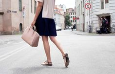 stylejunkie | leowulff bag, serpent, dusty pink Dusty Pink, Dresses For Work, Bags, Fashion, Handbags, Moda, Fashion Styles, Fashion Illustrations, Dusty Rose
