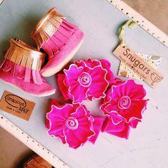 #GraciousMay Gold #Fringe Berry #Boots $64.99 1-4, 6&7 #snugars #Headbands $34.99 •available in fuchsia, white, and light pink• We #ship! Call us today! 903.322.4316  #shopdcs #instashop #instafashion #shopdavis #shoplocal #love #babyfashion