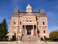 Allen County courthouse in Lima, Ohio.  Photo shot by Derek Jensen (Tysto), 2005-October-30  Lima-ohio-courthouse.jpg 2,500×1,902 pixels