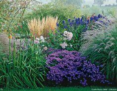 Inspirez-vous de ces 10 photos de massifs et potées fleuries pour aménager votre jardin ou décorer votre balcon-terrasse.