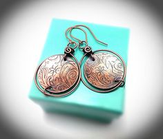 Wirewrapped jewelry. Copper earrings. Wire earrings. Copper etched wire wrapped handgun earrings. Copper jewelry.