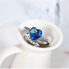 Sweet Arrows Of Love heart Crystal Ring//